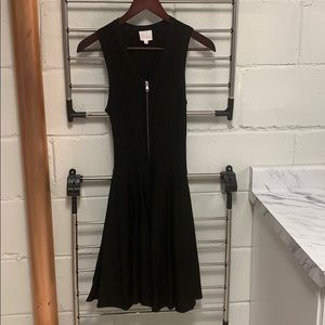 Parker pretty black zipper dress ❤️❤️